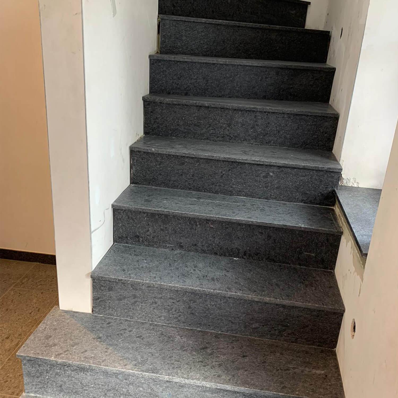 betontreppe-verkleidet-naturstein