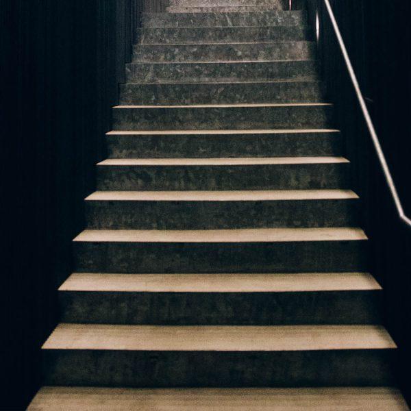 exklusive-naturstein-treppe