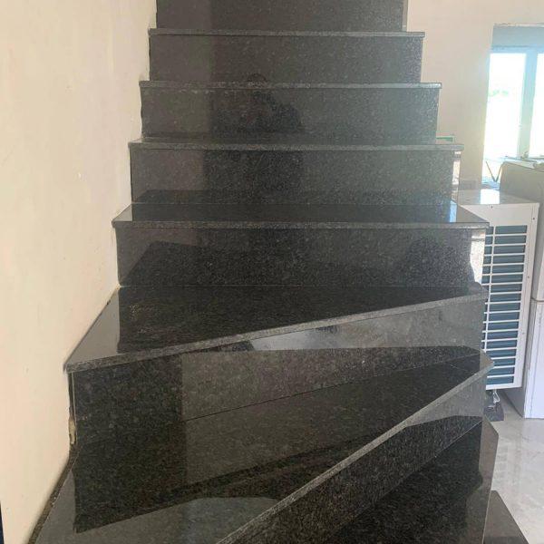 treppe-granit-innen